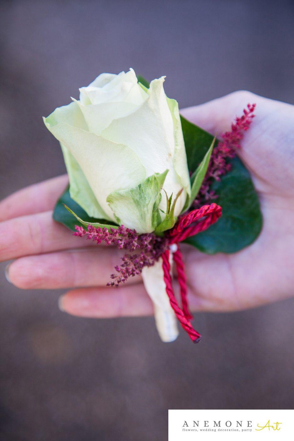 Poza, foto cu Flori de nunta alb, cocarda, rosu, trandafiri in Arad, Timisoara, Oradea (wedding flowers, bouquets) nunta Arad, Timisoara, Oradea