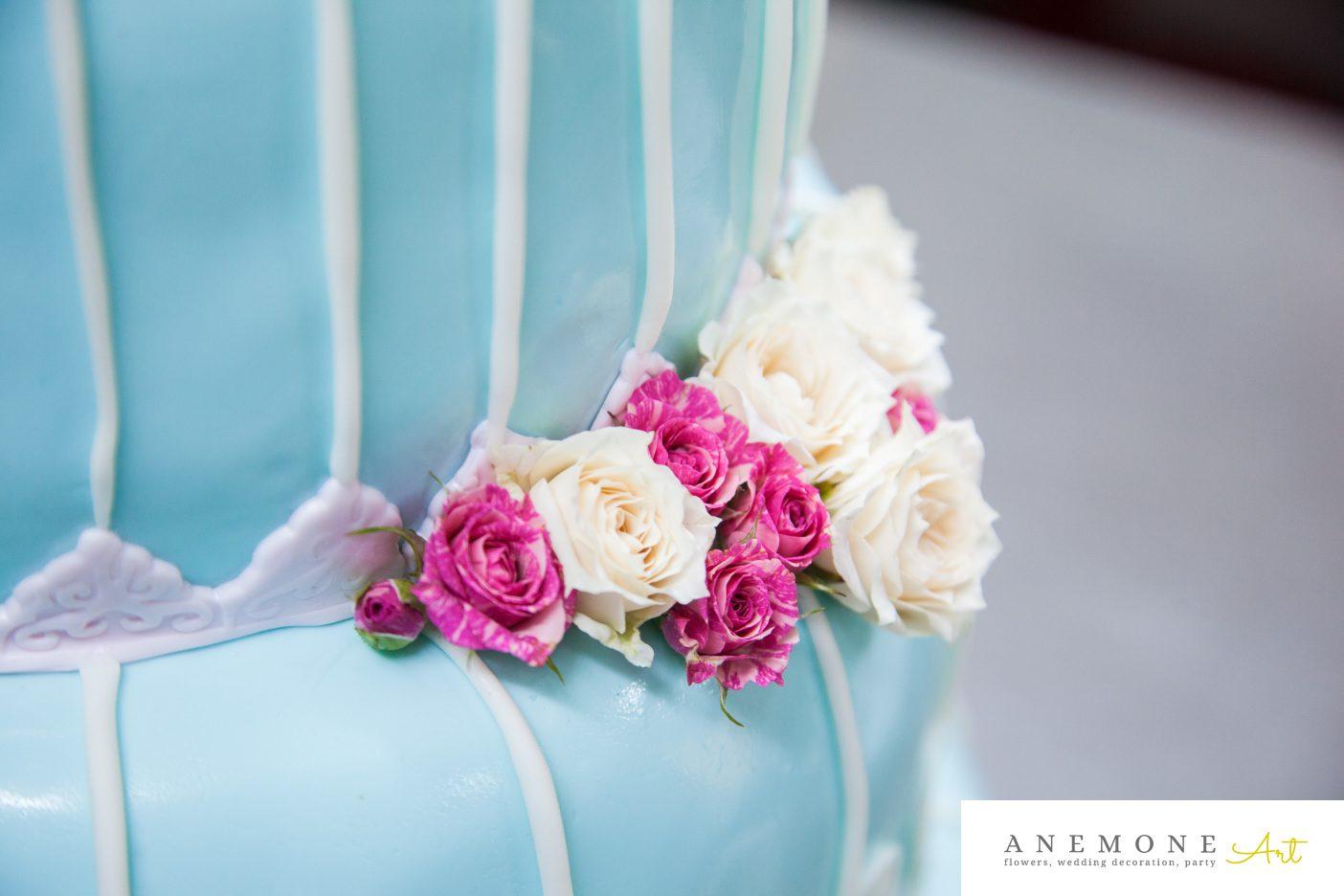 Poza, foto cu Flori de nunta decor tort, roz in Arad, Timisoara, Oradea (wedding flowers, bouquets) nunta Arad, Timisoara, Oradea