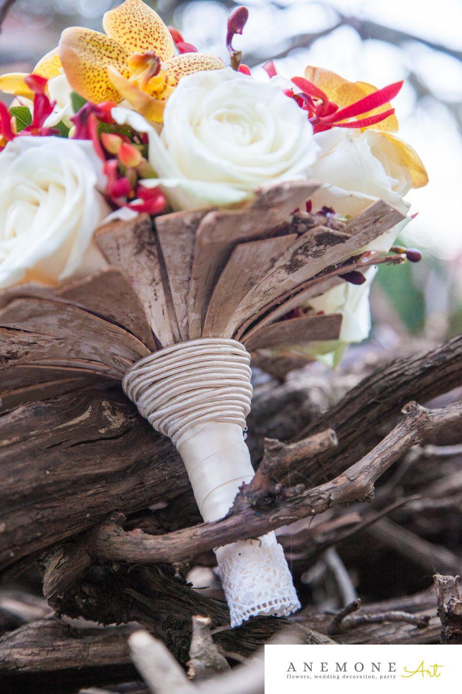 Poza, foto cu Flori de nunta buchet mireasa, caramiziu, galben, maner buchet, vanda in Arad, Timisoara, Oradea (wedding flowers, bouquets) nunta Arad, Timisoara, Oradea