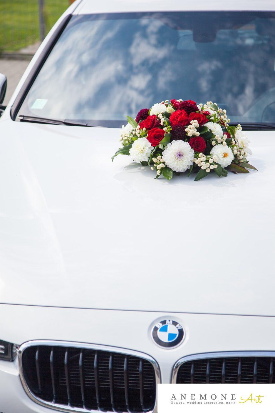 Poza, foto cu Flori de nunta decor masina, rosu in Arad, Timisoara, Oradea (wedding flowers, bouquets) nunta Arad, Timisoara, Oradea