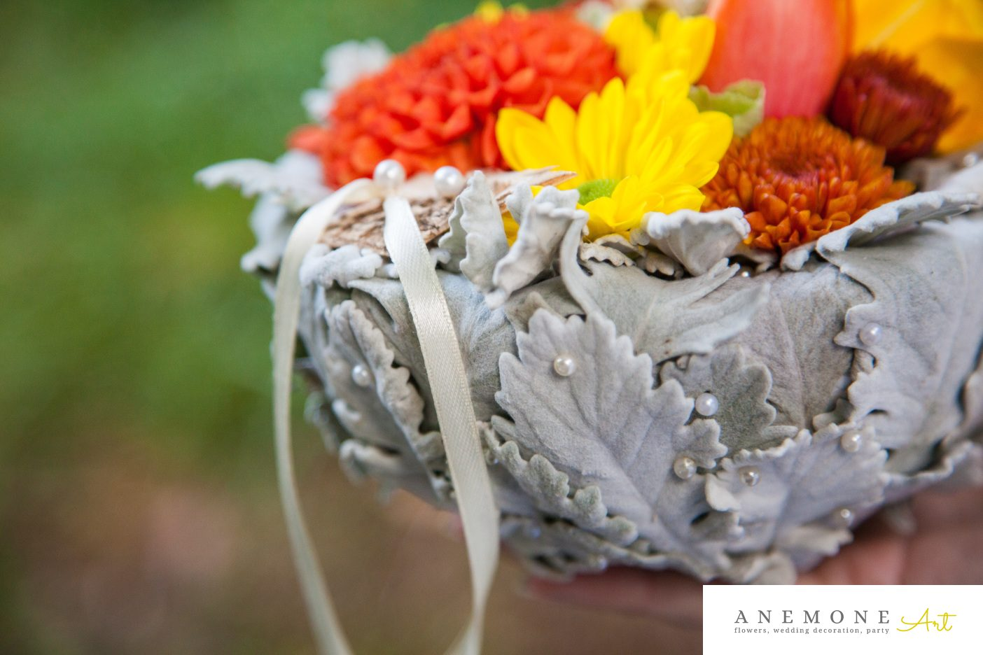 Poza, foto cu Flori de nunta caramiziu, galben, pernita verighete, portocaliu in Arad, Timisoara, Oradea (wedding flowers, bouquets) nunta Arad, Timisoara, Oradea