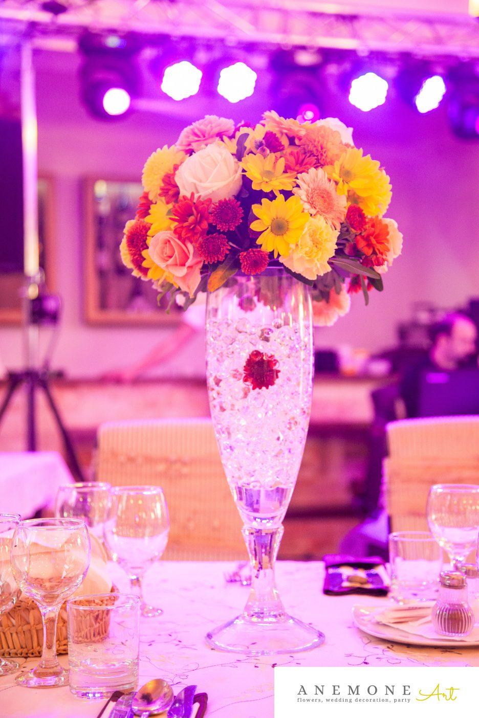Poza, foto cu Flori de nunta caramiziu, decor masa, galben, portocaliu in Arad, Timisoara, Oradea (wedding flowers, bouquets) nunta Arad, Timisoara, Oradea