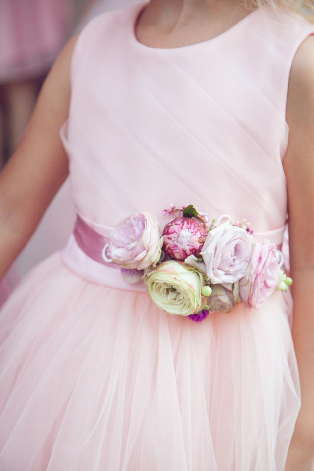 Poza, foto cu Flori de nunta bujori, cordon domnisoare, roz, trandafiri, trandafiri englezesti in Arad, Timisoara, Oradea (wedding flowers, bouquets) nunta Arad, Timisoara, Oradea