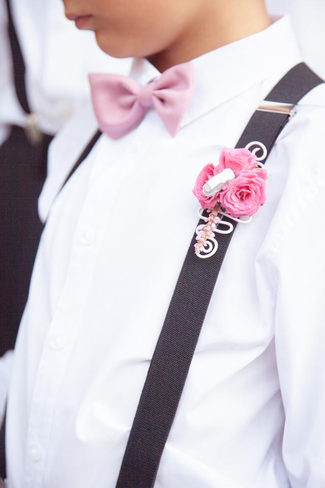 Poza, foto cu Flori de nunta butoniera, cocarda, mini-rosa, roz, ticlam in Arad, Timisoara, Oradea (wedding flowers, bouquets) nunta Arad, Timisoara, Oradea