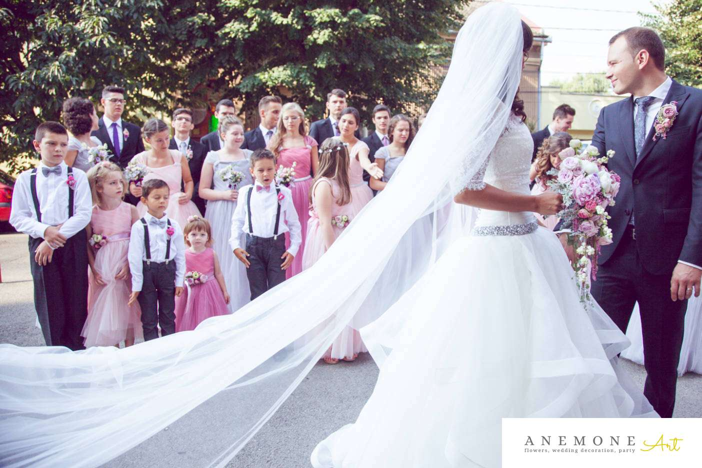 Poza, foto cu Flori de nunta buchet mireasa, bujori, cocarda in Arad, Timisoara, Oradea (wedding flowers, bouquets) nunta Arad, Timisoara, Oradea