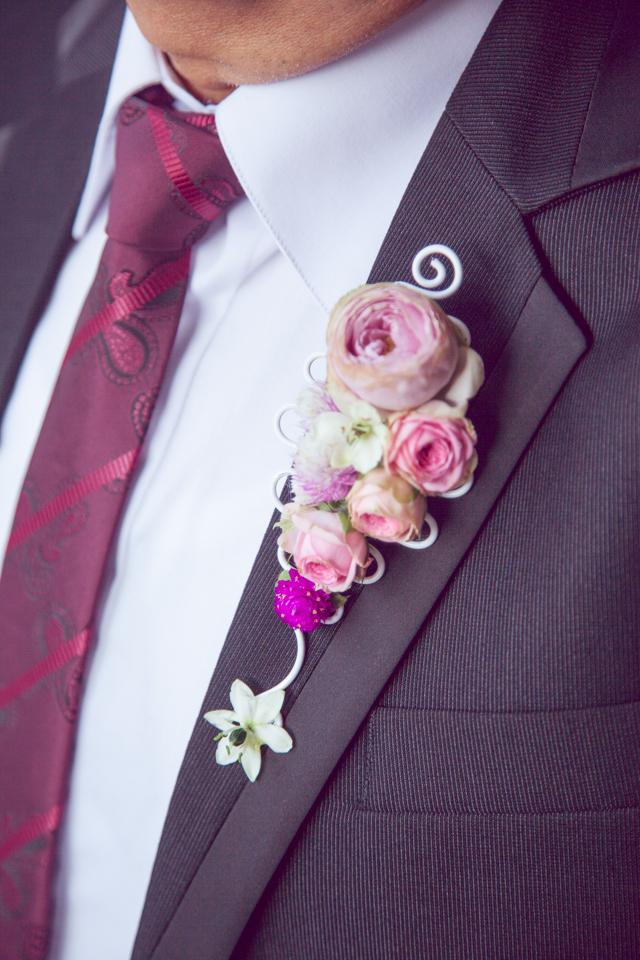 Poza, foto cu Flori de nunta butoniera, cocarda, mini-rosa, mire, roz, ticlam, trandafiri englezesti in Arad, Timisoara, Oradea (wedding flowers, bouquets) nunta Arad, Timisoara, Oradea