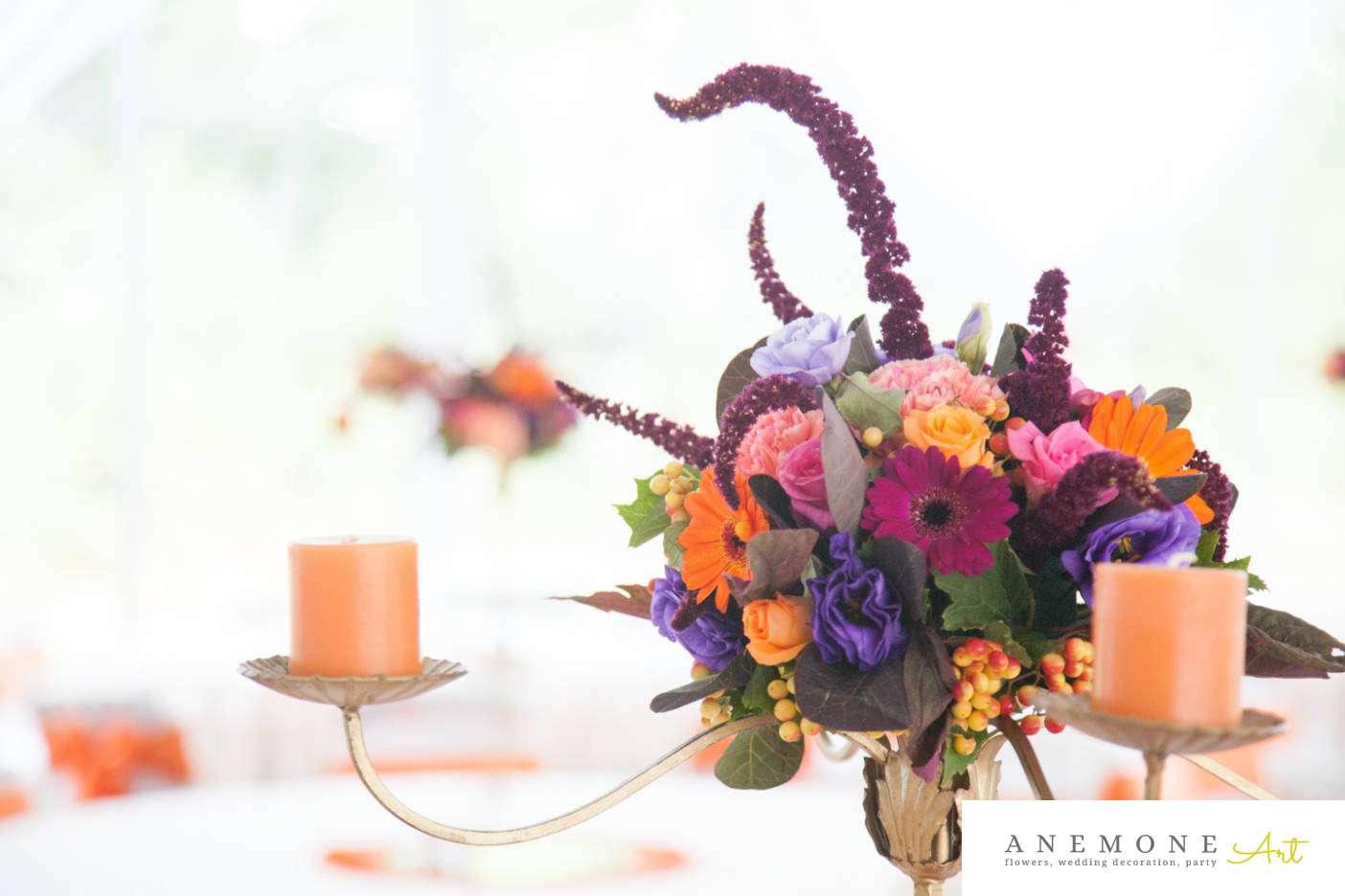 Poza, foto cu Flori de nunta decor masa, mov, portocaliu, sfesnic in Arad, Timisoara, Oradea (wedding flowers, bouquets) nunta Arad, Timisoara, Oradea