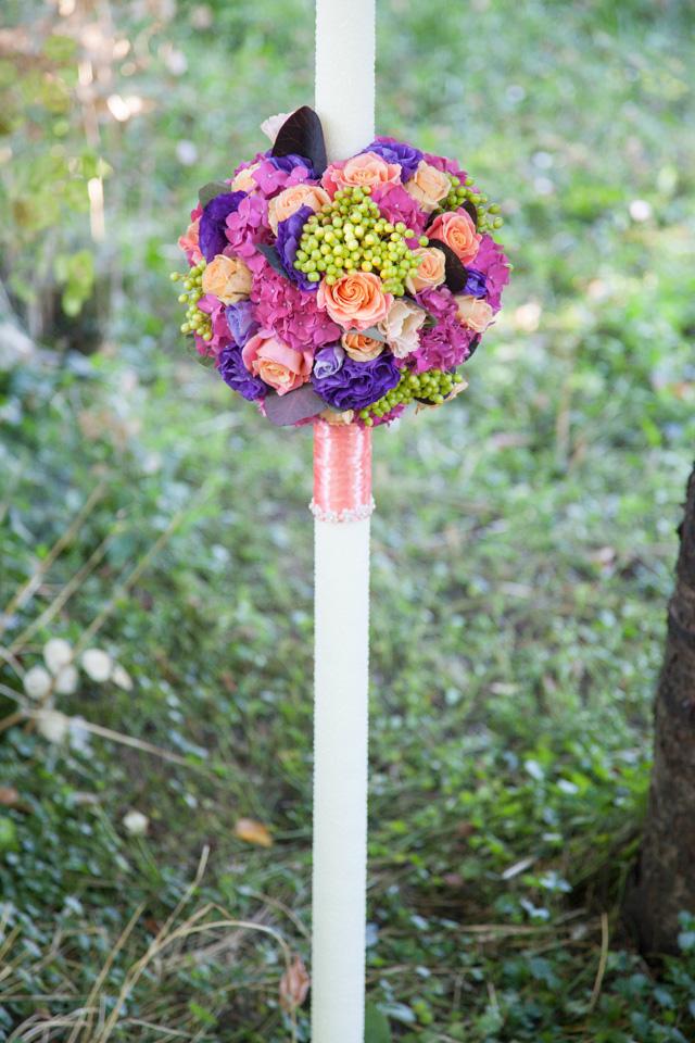 Poza, foto cu Flori de nunta glob, lumanare cununie, mov in Arad, Timisoara, Oradea (wedding flowers, bouquets) nunta Arad, Timisoara, Oradea