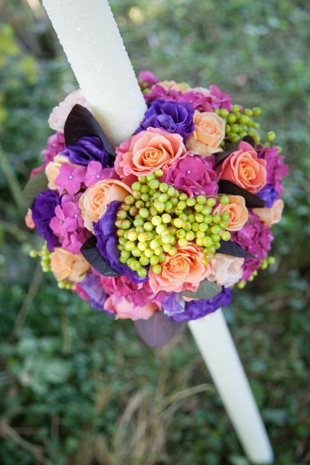 Poza, foto cu Flori de nunta glob, hortensia, lumanare cununie, mov, trandafiri in Arad, Timisoara, Oradea (wedding flowers, bouquets) nunta Arad, Timisoara, Oradea