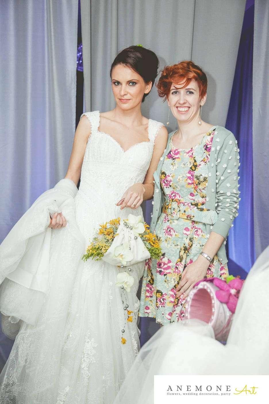 Poza, foto cu Flori de nunta buchet mireasa, galben, poseta in Arad, Timisoara, Oradea (wedding flowers, bouquets) nunta Arad, Timisoara, Oradea