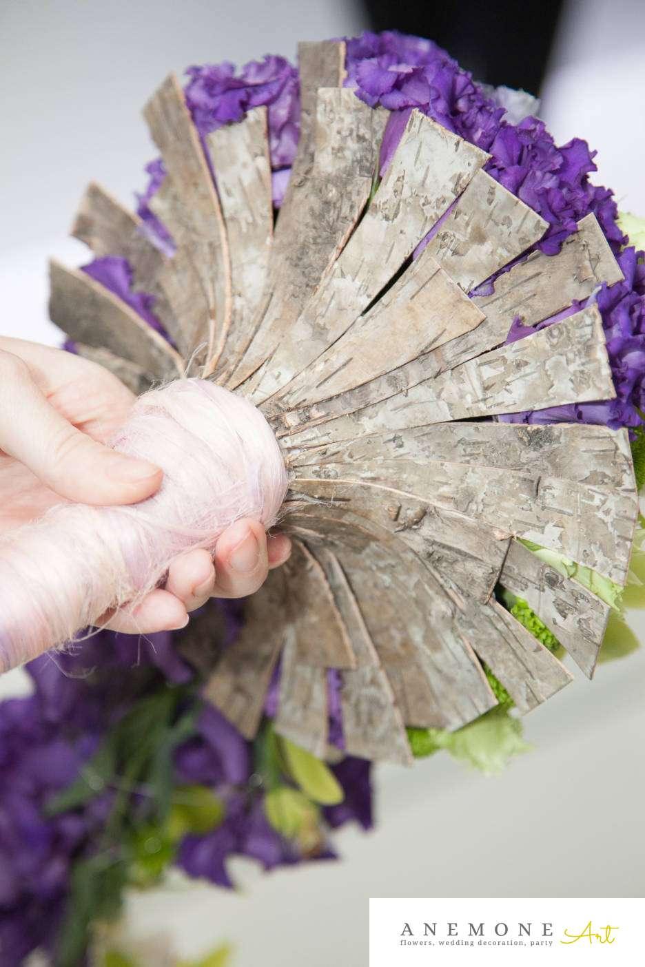 Poza, foto cu Flori de nunta buchet mireasa, curgator, cymbidium, lisianthus, maner buchet, mov, orhidee, santini, verde in Arad, Timisoara, Oradea (wedding flowers, bouquets) nunta Arad, Timisoara, Oradea
