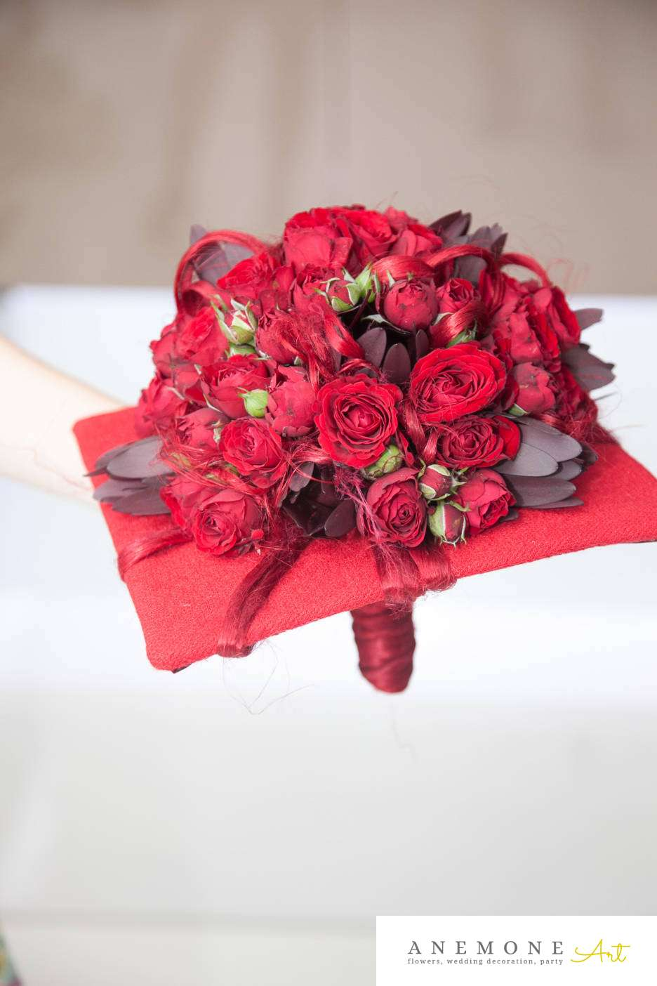 Poza, foto cu Flori de nunta buchet mireasa, patrat, rosu, visiniu in Arad, Timisoara, Oradea (wedding flowers, bouquets) nunta Arad, Timisoara, Oradea