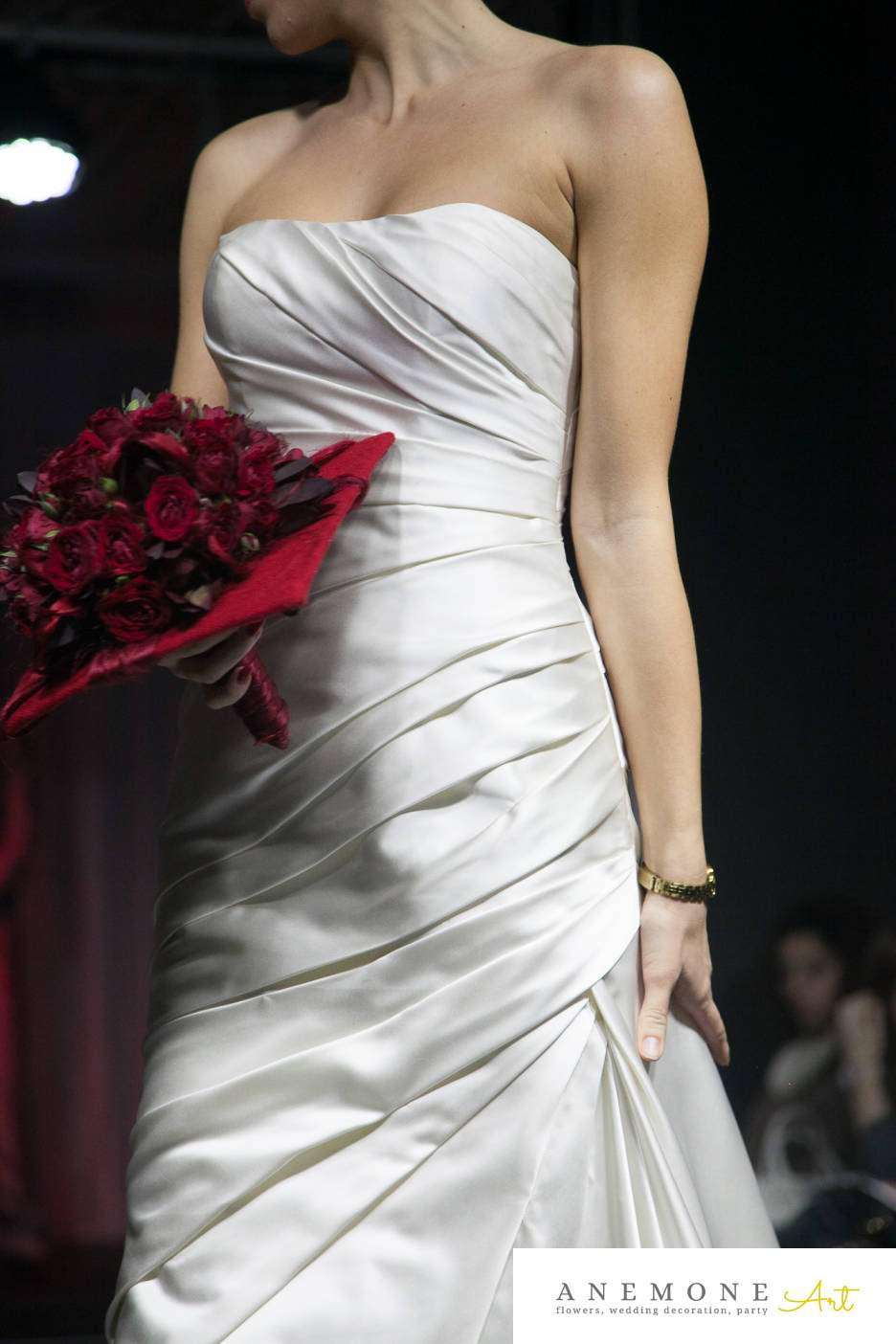 Poza, foto cu Flori de nunta buchet mireasa, mini-rosa, patrat, rosu, visiniu in Arad, Timisoara, Oradea (wedding flowers, bouquets) nunta Arad, Timisoara, Oradea