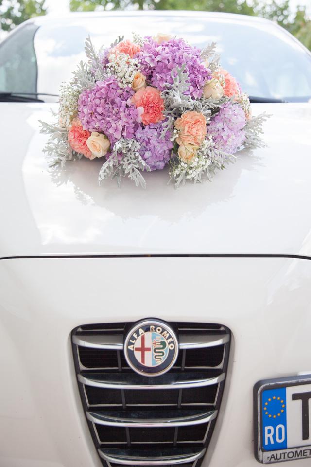 Poza, foto cu Flori de nunta decor masina, hortensia, rotund, trandafiri in Arad, Timisoara, Oradea (wedding flowers, bouquets) nunta Arad, Timisoara, Oradea