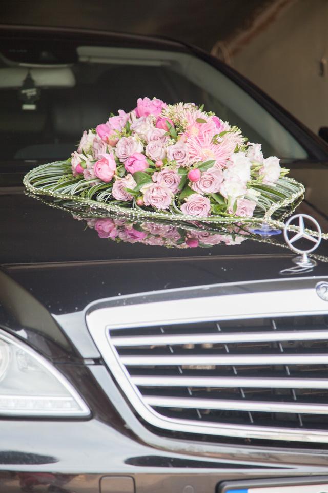 Poza, foto cu Flori de nunta decor masina, inima in Arad, Timisoara, Oradea (wedding flowers, bouquets) nunta Arad, Timisoara, Oradea