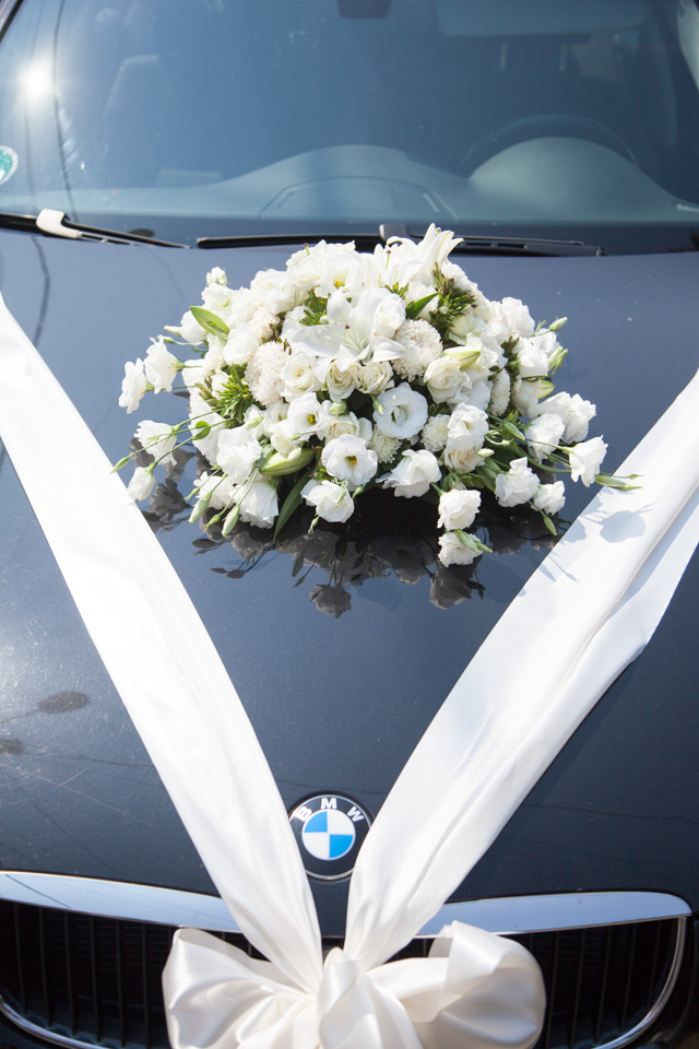 Poza, foto cu Flori de nunta decor masina, rotund in Arad, Timisoara, Oradea (wedding flowers, bouquets) nunta Arad, Timisoara, Oradea