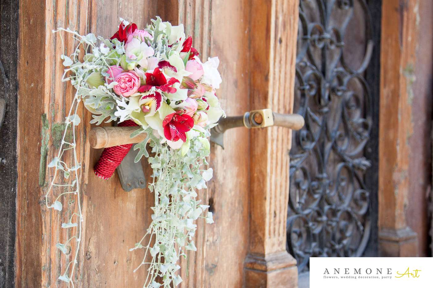 Poza, foto cu Flori de nunta alstroemeria, buchet cununie, lalele, orhidee, rosu, trandafiri englezesti, verde, vintage in Arad, Timisoara, Oradea (wedding flowers, bouquets) nunta Arad, Timisoara, Oradea