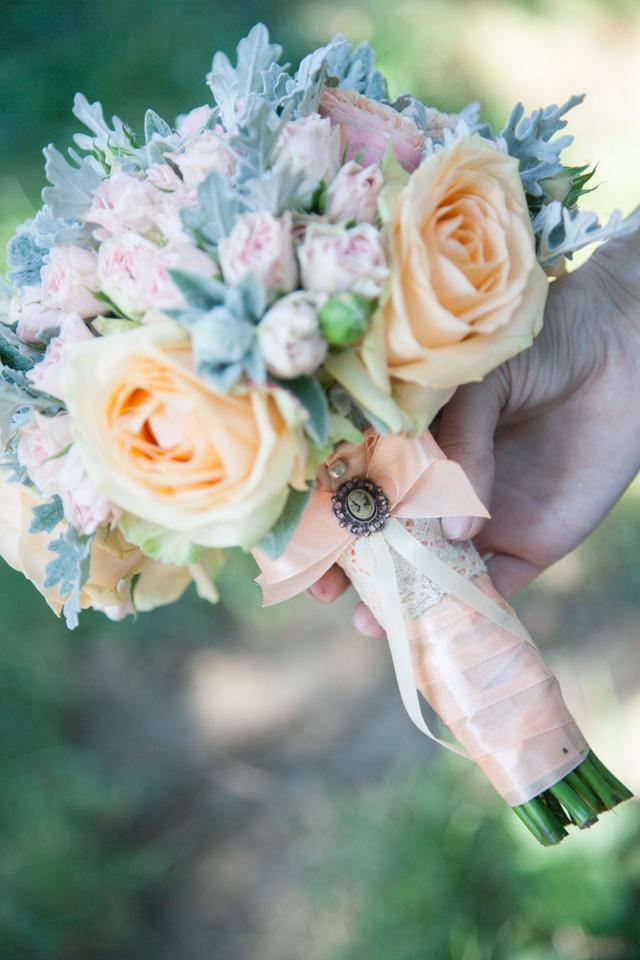 Poza, foto cu Flori de nunta buchet mireasa, maner buchet, mini-rosa, pastel, piersica, roz, trandafiri, trandafiri englezesti in Arad, Timisoara, Oradea (wedding flowers, bouquets) nunta Arad, Timisoara, Oradea