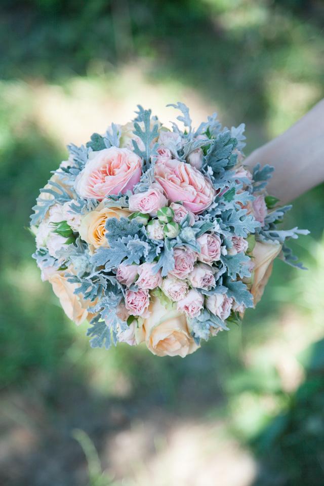 Poza, foto cu Flori de nunta buchet mireasa, mini-rosa, pastel, piersica, roz, trandafiri, trandafiri englezesti in Arad, Timisoara, Oradea (wedding flowers, bouquets) nunta Arad, Timisoara, Oradea