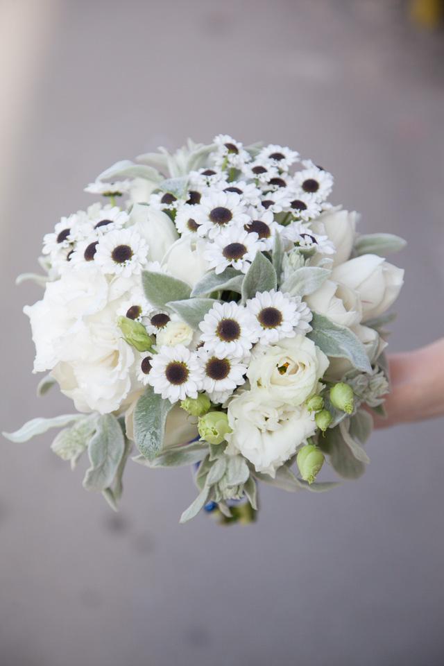 Poza, foto cu Flori de nunta buchet nasa, lalele, lisianthus, santini in Arad, Timisoara, Oradea (wedding flowers, bouquets) nunta Arad, Timisoara, Oradea