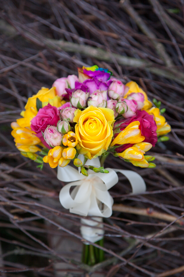 Poza, foto cu Flori de nunta buchet domnisoara, multicolor, rotund in Arad, Timisoara, Oradea (wedding flowers, bouquets) nunta Arad, Timisoara, Oradea