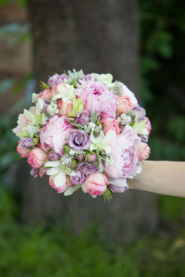 Poza, foto cu Flori de nunta buchet mireasa, bujori, dendrobium, mini-rosa, mov, roz, trandafiri englezesti in Arad, Timisoara, Oradea (wedding flowers, bouquets) nunta Arad, Timisoara, Oradea