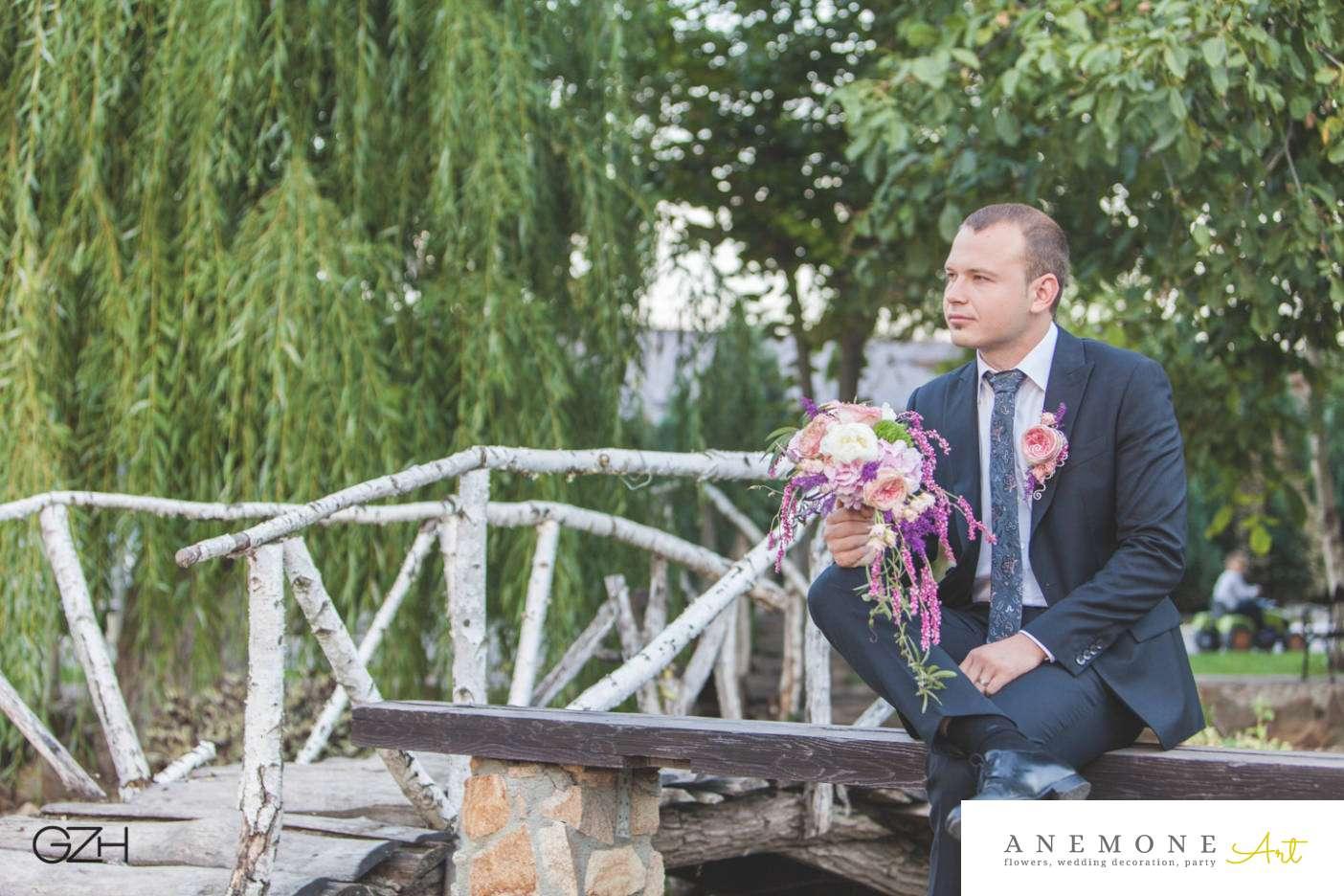 Poza, foto cu Flori de nunta buchet mireasa, bujori, cocarda, curgator, trandafiri englezesti in Arad, Timisoara, Oradea (wedding flowers, bouquets) nunta Arad, Timisoara, Oradea