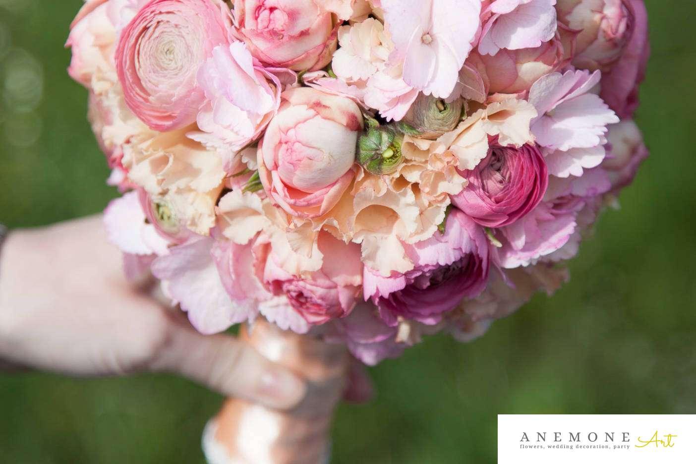 Poza, foto cu Flori de nunta buchet mireasa, glob, hortensia, ranunculus, roz, trandafiri englezesti in Arad, Timisoara, Oradea (wedding flowers, bouquets) nunta Arad, Timisoara, Oradea