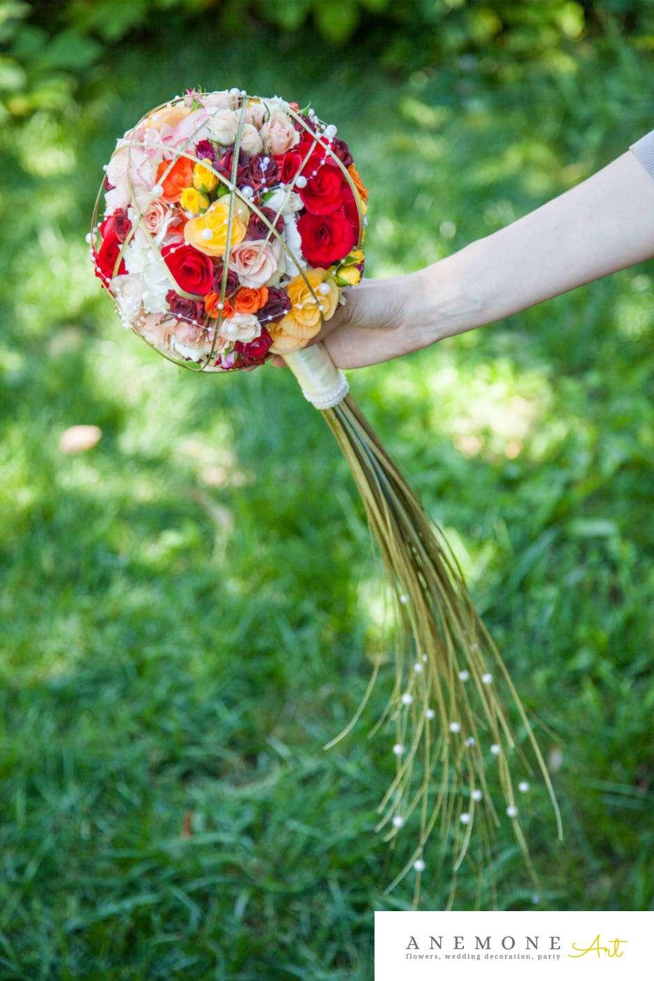 Poza, foto cu Flori de nunta buchet mireasa, glob, mini-rosa, multicolor, perle in Arad, Timisoara, Oradea (wedding flowers, bouquets) nunta Arad, Timisoara, Oradea