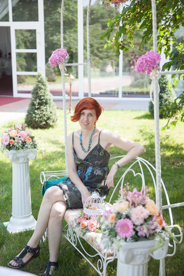 Poza, foto cu Flori de nunta arcada, banca, decor colt photo, stalp ceramica in Arad, Timisoara, Oradea (wedding flowers, bouquets) nunta Arad, Timisoara, Oradea