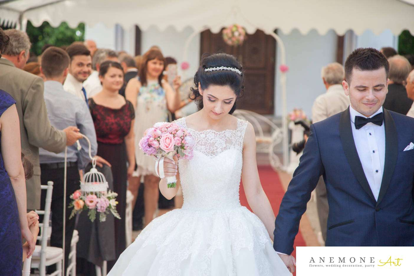 Poza, foto cu Flori de nunta buchet mireasa, decor biserica in Arad, Timisoara, Oradea (wedding flowers, bouquets) nunta Arad, Timisoara, Oradea