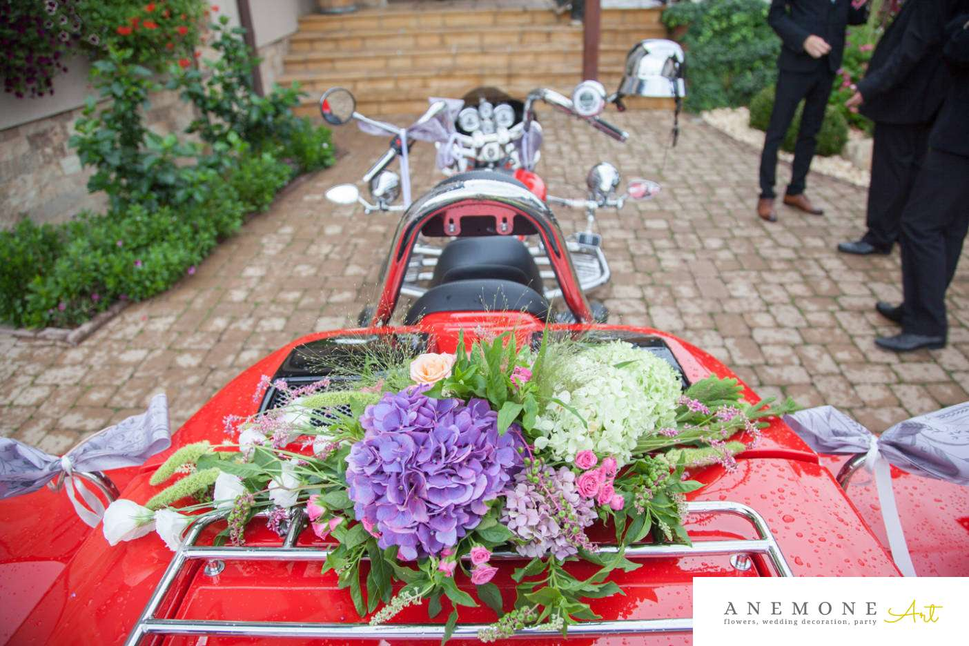 Poza, foto cu Flori de nunta decor motociclta in Arad, Timisoara, Oradea (wedding flowers, bouquets) nunta Arad, Timisoara, Oradea