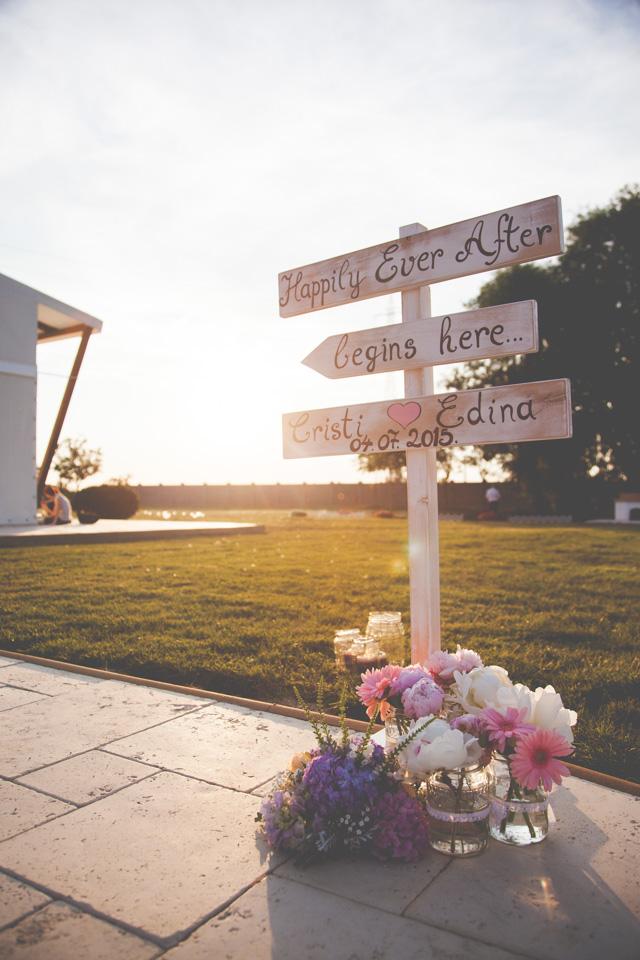 Poza, foto cu Flori de nunta borcane, decor sala, pensiunea leo, vintage in Arad, Timisoara, Oradea (wedding flowers, bouquets) nunta Arad, Timisoara, Oradea