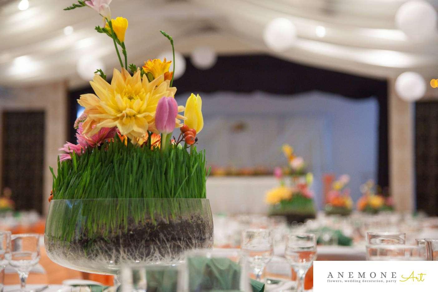 Poza, foto cu Flori de nunta casa jelen haz, dalia, decor masa, frezii, iarba, lalele, multicolor in Arad, Timisoara, Oradea (wedding flowers, bouquets) nunta Arad, Timisoara, Oradea