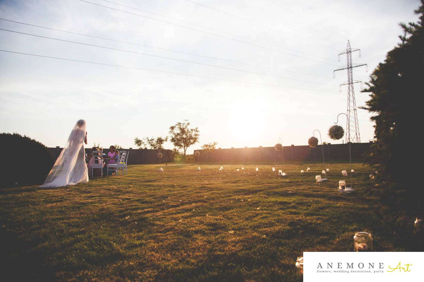 Poza, foto cu Flori de nunta borcane, gipsofila, glob, lumanare, pensiunea leo in Arad, Timisoara, Oradea (wedding flowers, bouquets) nunta Arad, Timisoara, Oradea