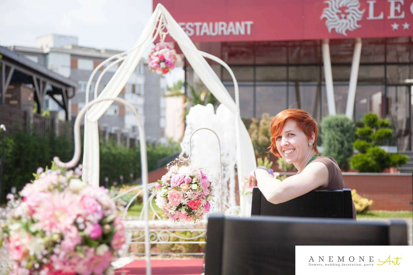 Poza, foto cu Flori de nunta arcada, decor biserica in Arad, Timisoara, Oradea (wedding flowers, bouquets) nunta Arad, Timisoara, Oradea