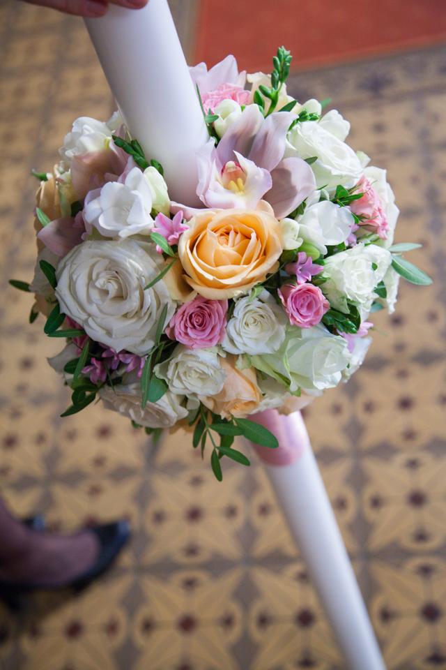 Poza, foto cu Flori de nunta glob, lumanare cununie, pastel in Arad, Timisoara, Oradea (wedding flowers, bouquets) nunta Arad, Timisoara, Oradea