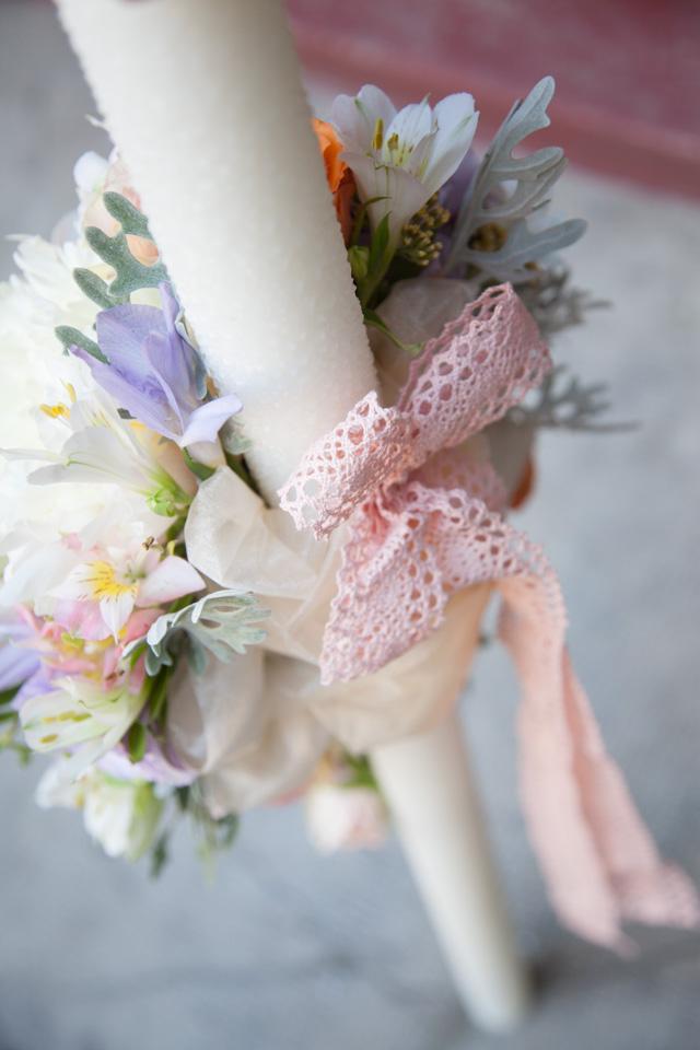 Poza, foto cu Flori de nunta bujori, hortensia, lisianthus, lumanare cununie in Arad, Timisoara, Oradea (wedding flowers, bouquets) nunta Arad, Timisoara, Oradea
