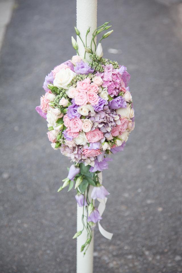 Poza, foto cu Flori de nunta asimetric, lumanare cununie, pastel in Arad, Timisoara, Oradea (wedding flowers, bouquets) nunta Arad, Timisoara, Oradea