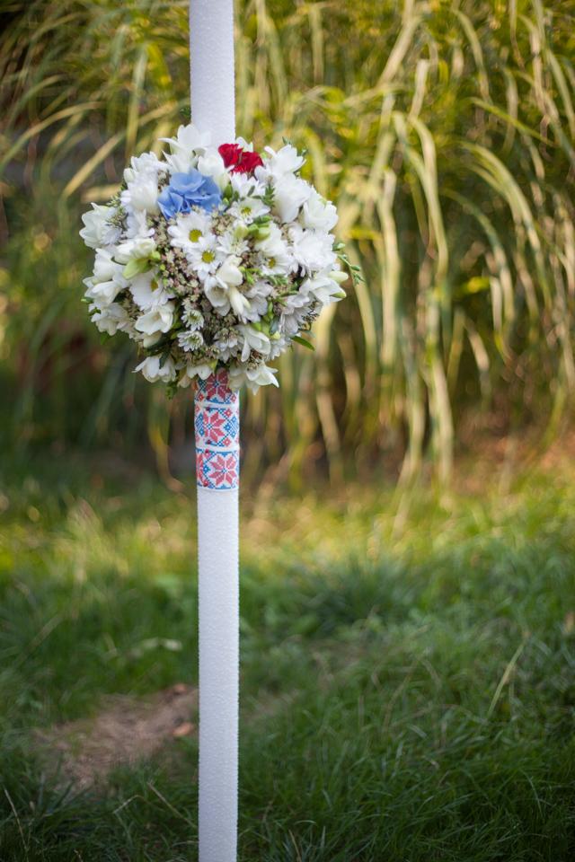 Poza, foto cu Flori de nunta alb, glob, lumanare cununie in Arad, Timisoara, Oradea (wedding flowers, bouquets) nunta Arad, Timisoara, Oradea