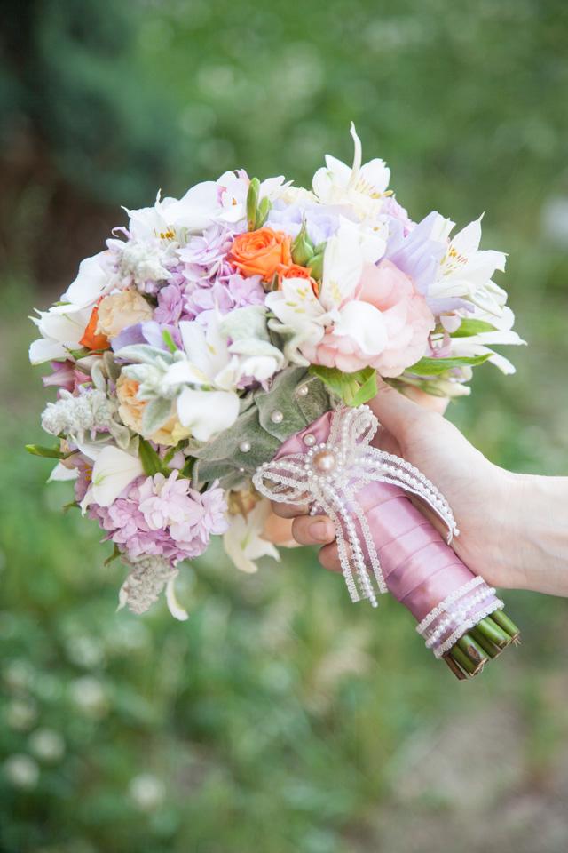 Poza, foto cu Flori de nunta buchet mireasa, frezii, hortensia, lisianthus, maner buchet, orhidee in Arad, Timisoara, Oradea (wedding flowers, bouquets) nunta Arad, Timisoara, Oradea