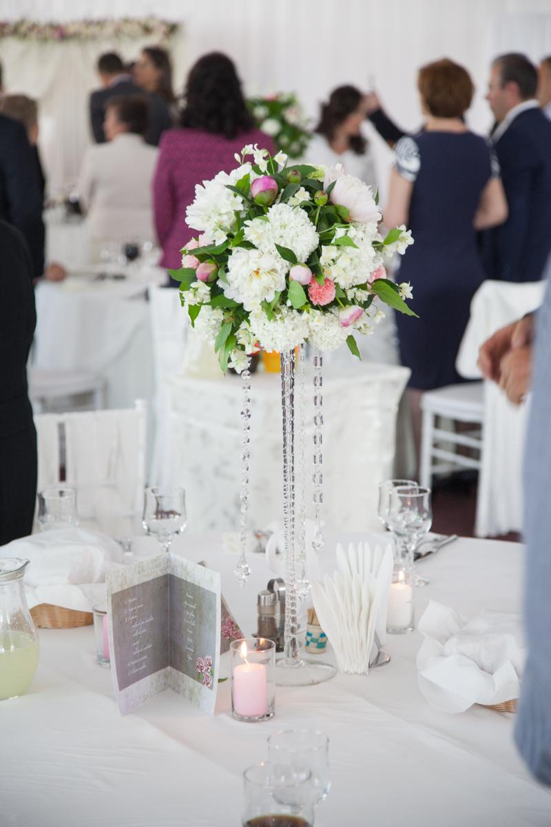 Poza, foto cu Flori de nunta bujori, cristale, decor masa in Arad, Timisoara, Oradea (wedding flowers, bouquets) nunta Arad, Timisoara, Oradea