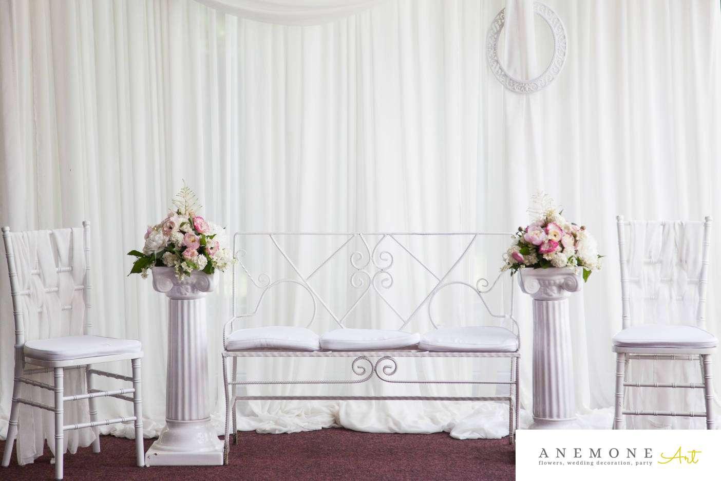 Poza, foto cu Flori de nunta decor colt photo, stalp ceramica in Arad, Timisoara, Oradea (wedding flowers, bouquets) nunta Arad, Timisoara, Oradea