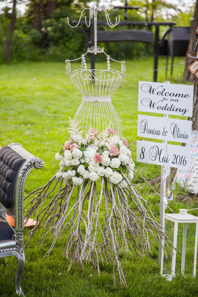 Poza, foto cu Flori de nunta bust, decor colt photo in Arad, Timisoara, Oradea (wedding flowers, bouquets) nunta Arad