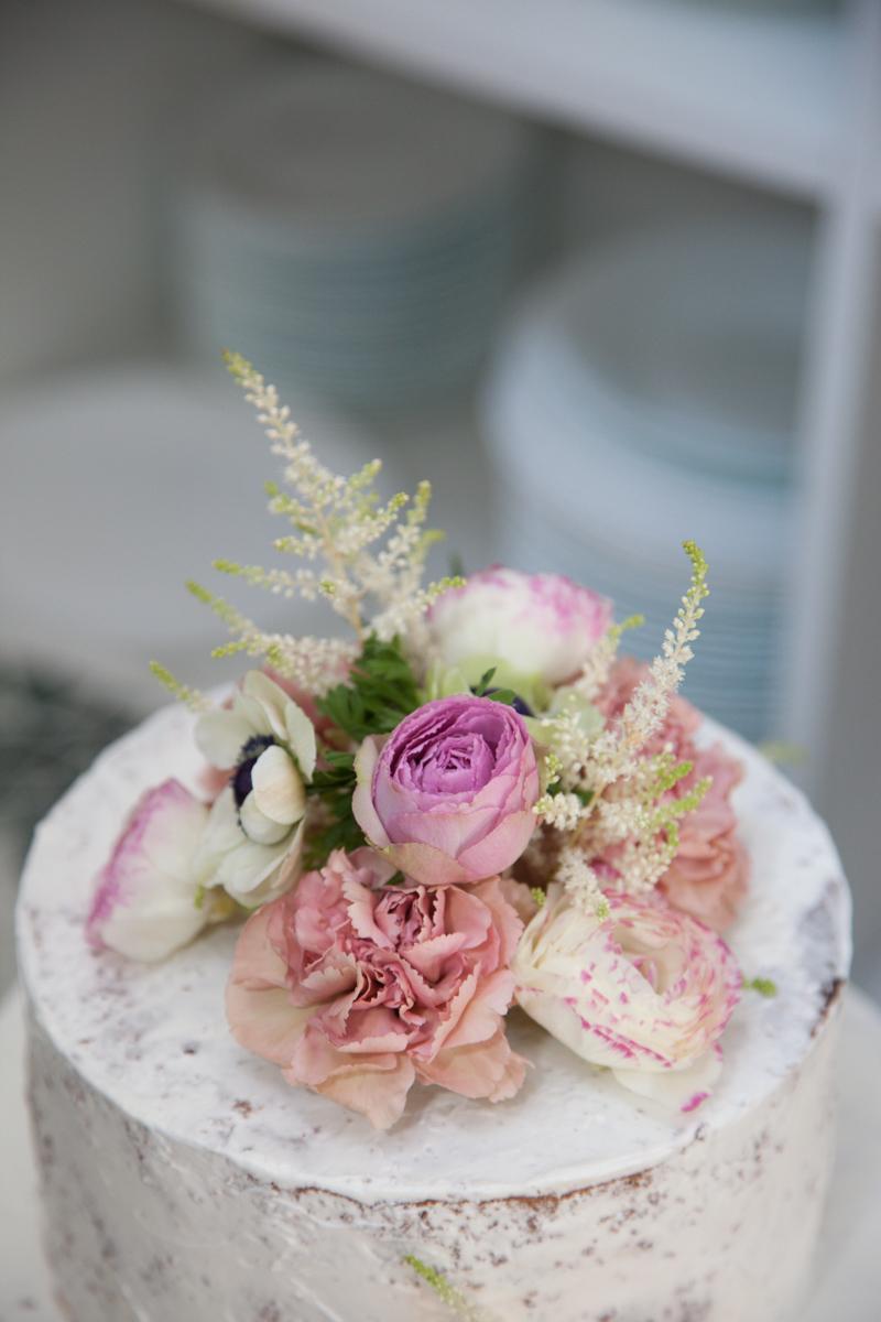 Poza, foto cu Flori de nunta decor tort in Arad, Timisoara, Oradea (wedding flowers, bouquets) nunta Arad, Timisoara, Oradea