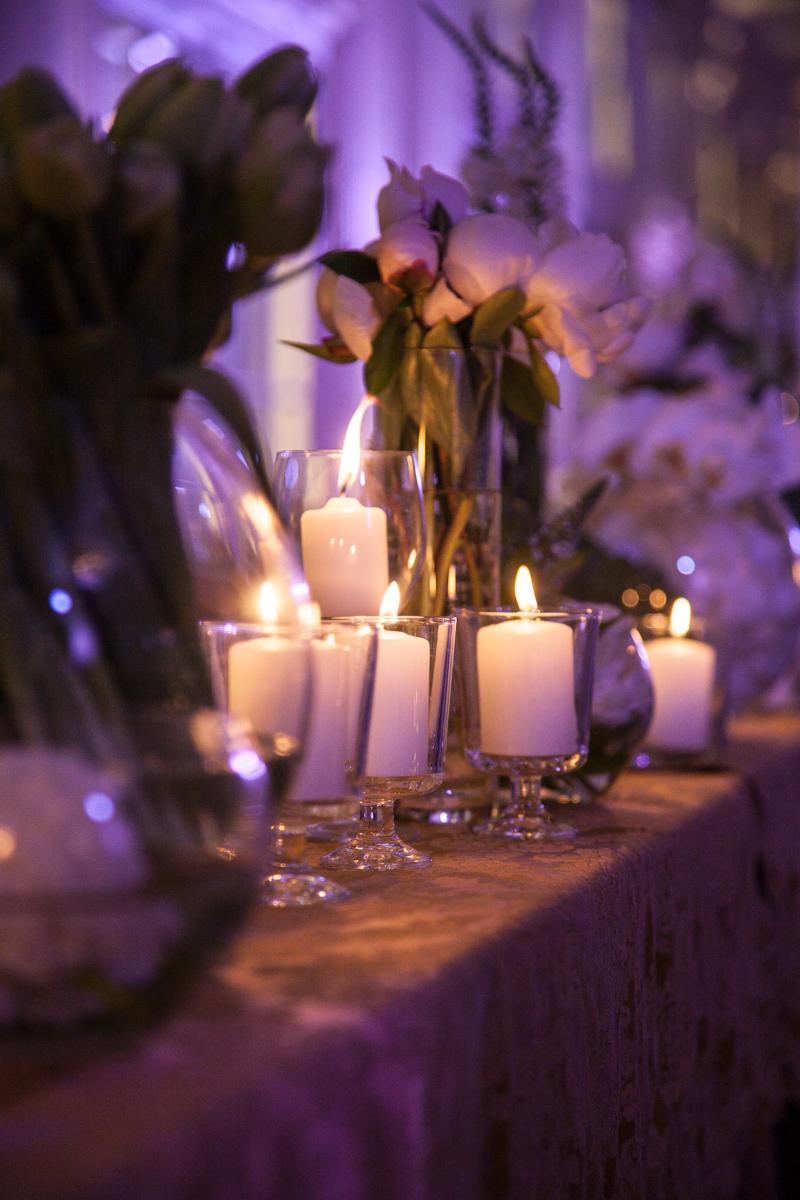 Poza, foto cu Flori de nunta alb, decor masa, hortensia, lalele, lisianthus, lumanare, prezidiu, vila carol in Arad, Timisoara, Oradea (wedding flowers, bouquets) nunta Arad, Timisoara, Oradea