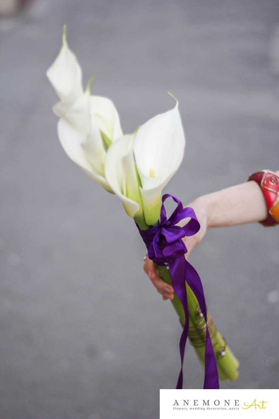 Poza, foto cu Flori de nunta alb, buchet domnisoara, calla, mov in Arad, Timisoara, Oradea (wedding flowers, bouquets) nunta Arad, Timisoara, Oradea