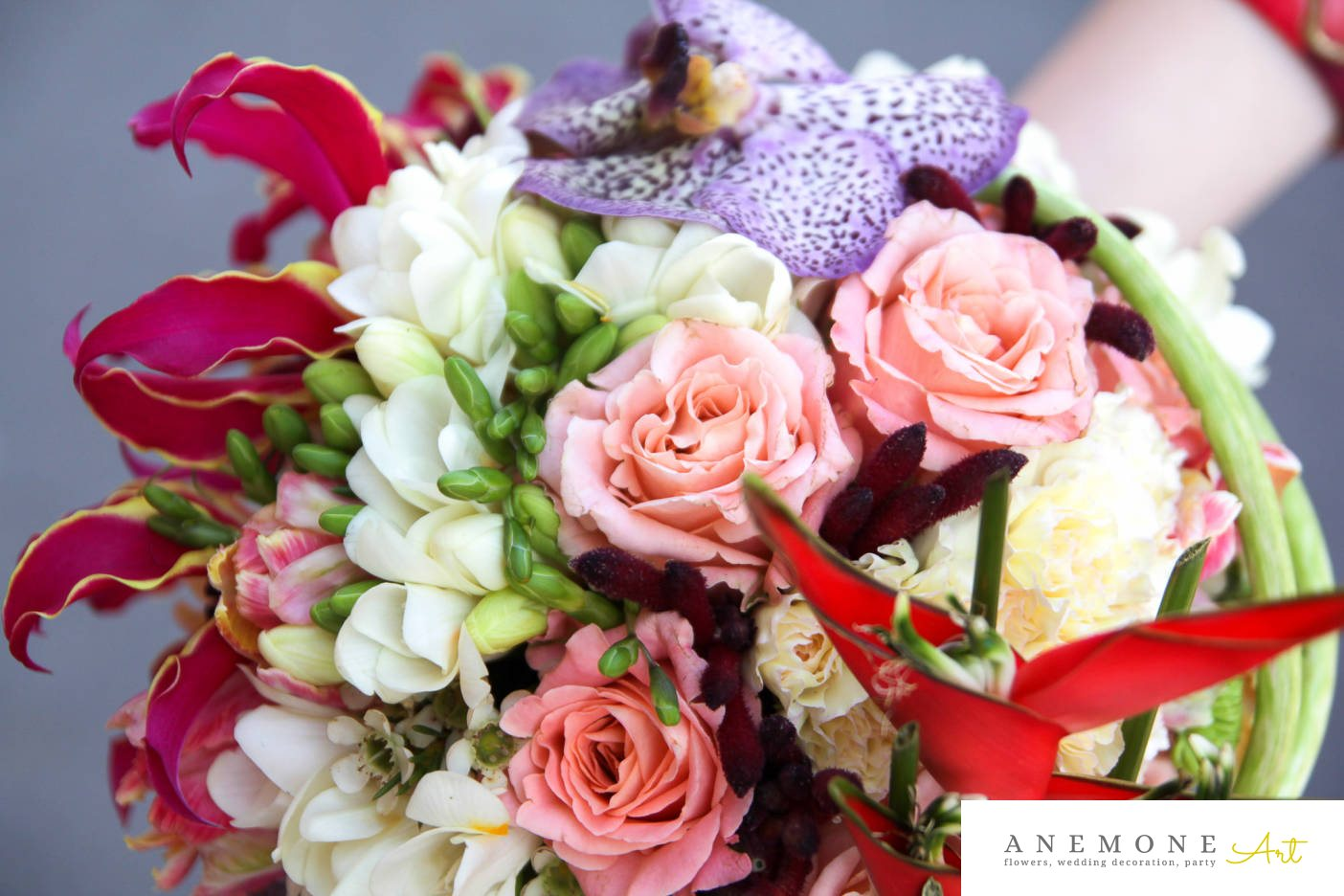 Poza, foto cu Flori de nunta buchet mireasa, calla, frezii, lisianthus, orhidee in Arad, Timisoara, Oradea (wedding flowers, bouquets) nunta Arad, Timisoara, Oradea