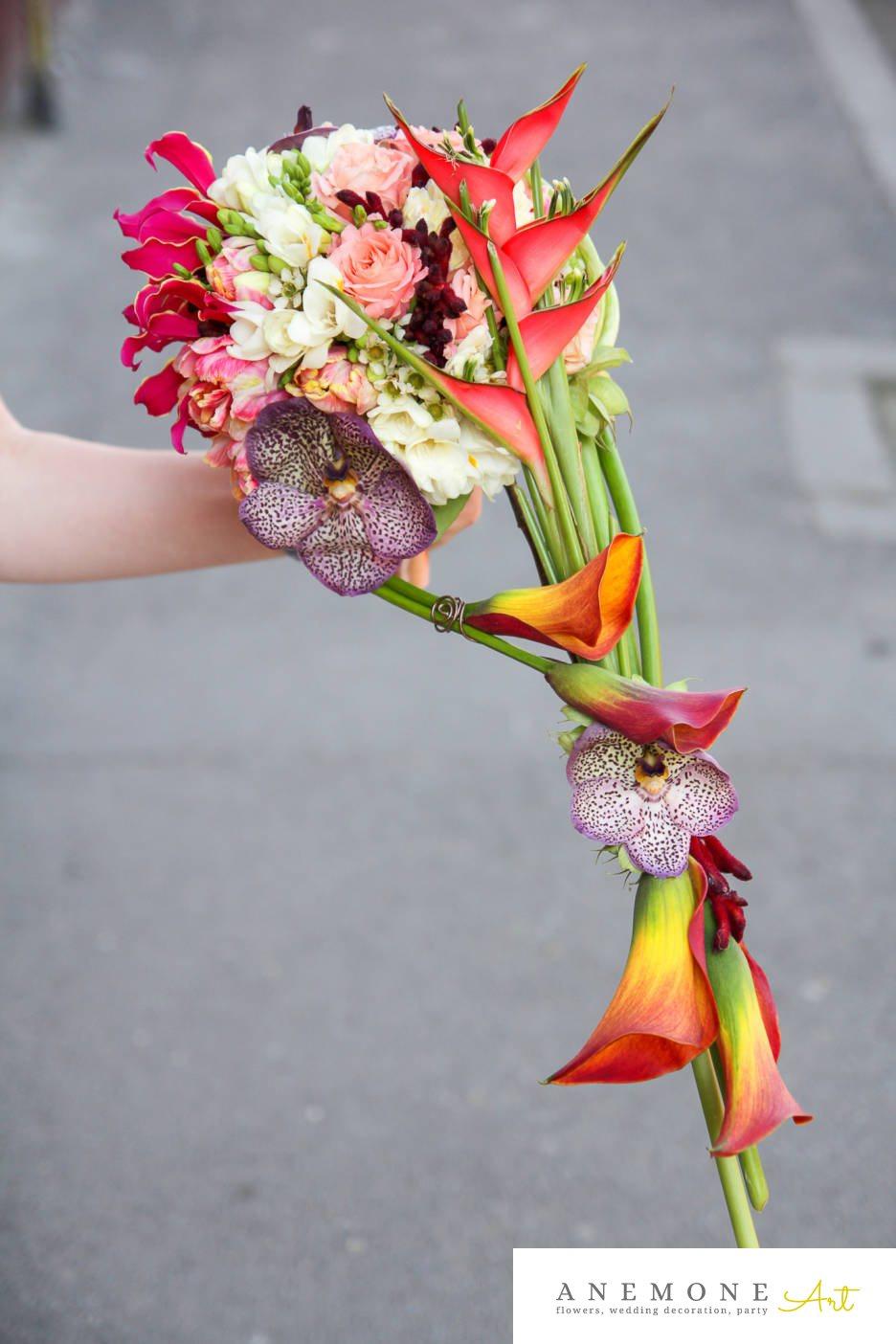 Poza, foto cu Flori de nunta buchet mireasa, calla, curgator, frezii, multicolor, orhidee, ornitogallum, trandafiri in Arad, Timisoara, Oradea (wedding flowers, bouquets) nunta Arad, Timisoara, Oradea