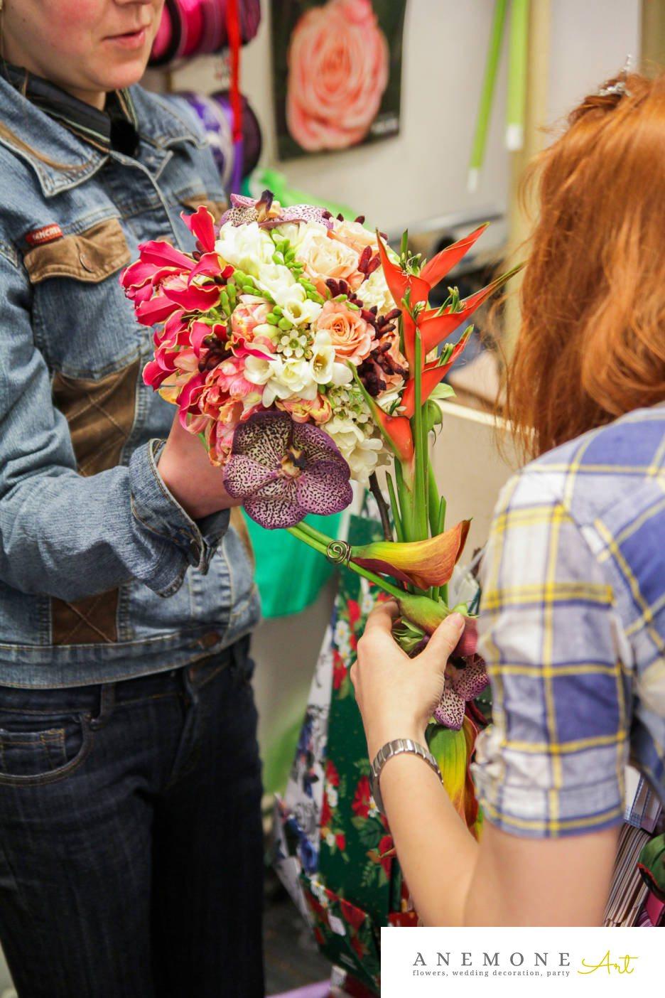 Poza, foto cu Flori de nunta buchet mireasa, calla, curgator, frezii, gipsofila, lacramioare, lisianthus, multicolor, ornitogallum in Arad, Timisoara, Oradea (wedding flowers, bouquets) nunta Arad, Timisoara, Oradea